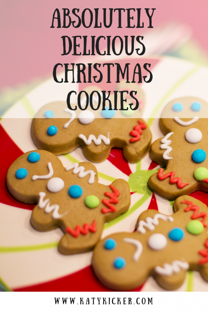 Gingerbread people with text overlay that says absolutely delicious Christmas cookies