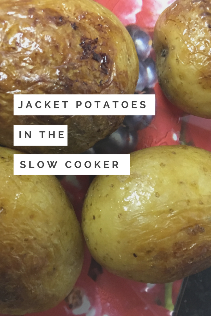 Jacket potatoes in the slow cooker - Quick, simple and filling