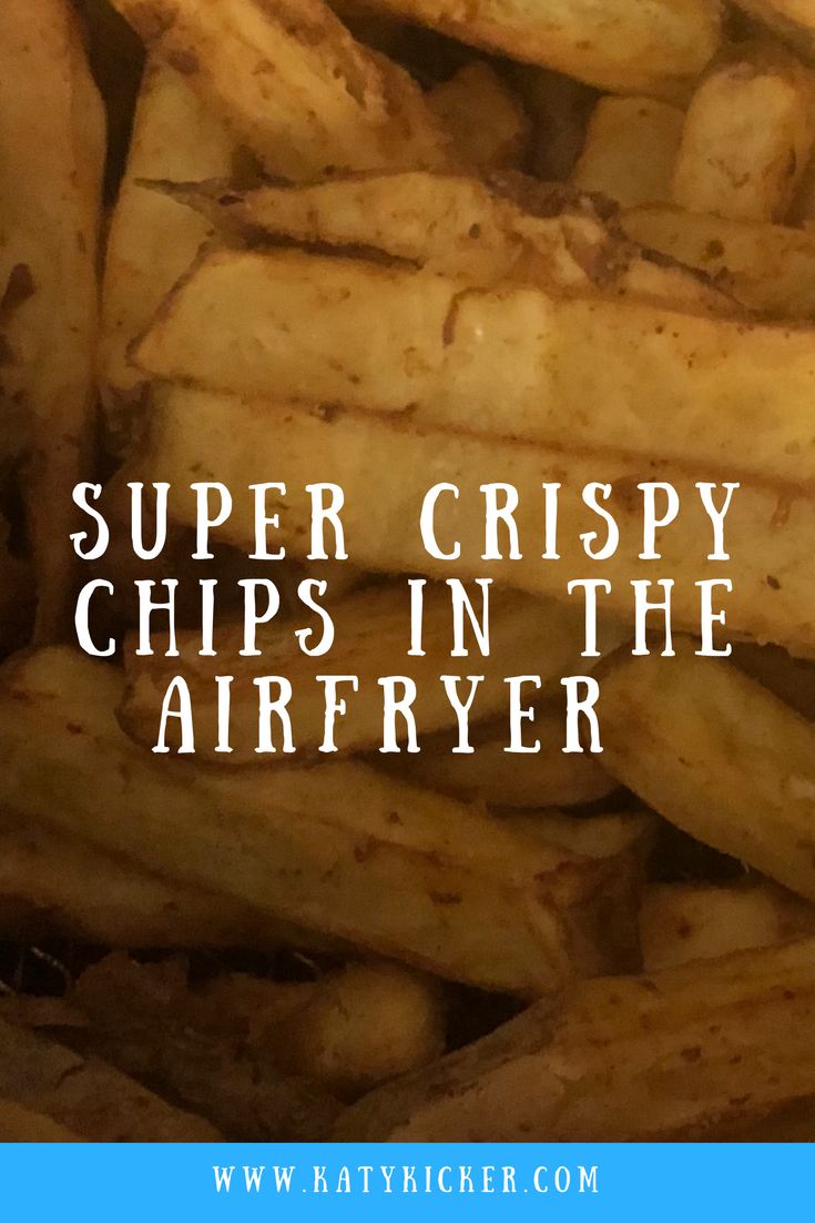 Find out how to make airfryer chips in under 20 minutes. Crispy, crunchy, fluffy and soft airfryer chips are delicious, frugal and super simple to prepare