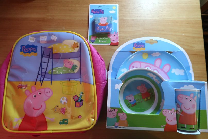 Peppa Pig rucksack, expandable flannel and plate, bowl and cup set