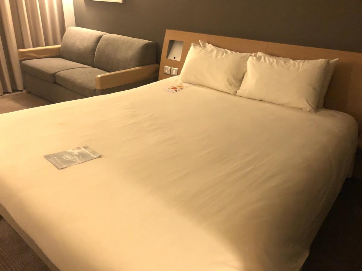 Novotel Southampton Review - Bedroom area