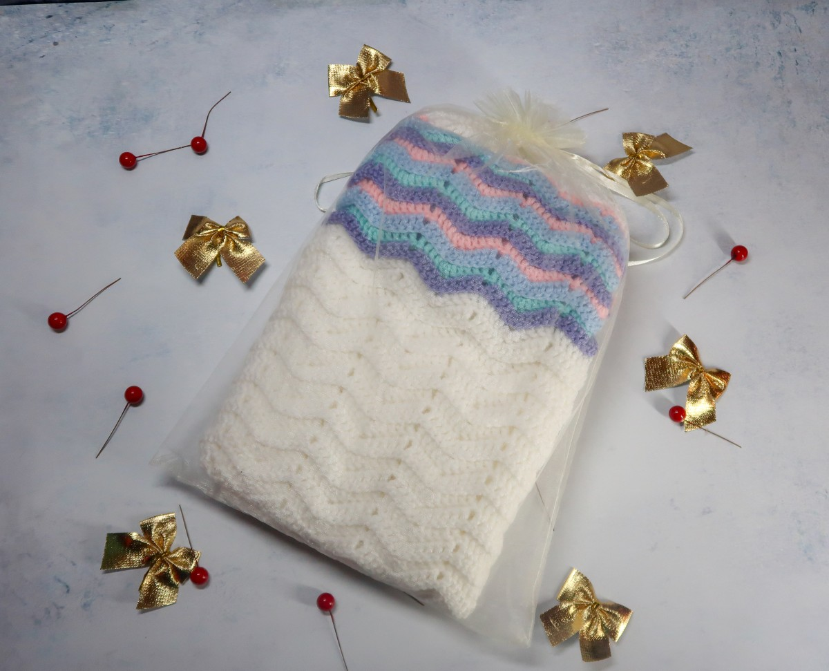 2018 Christmas Gift Guide for Toddlers - Crochet Baby Blanket