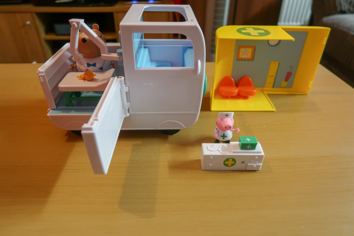 Peppa Pig Mobile Medical Centre - A look at the complete set up