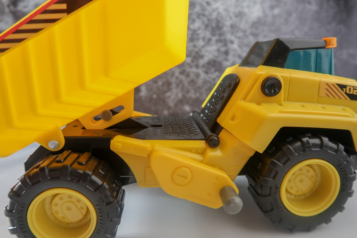 Tonka Power Movers truck in action