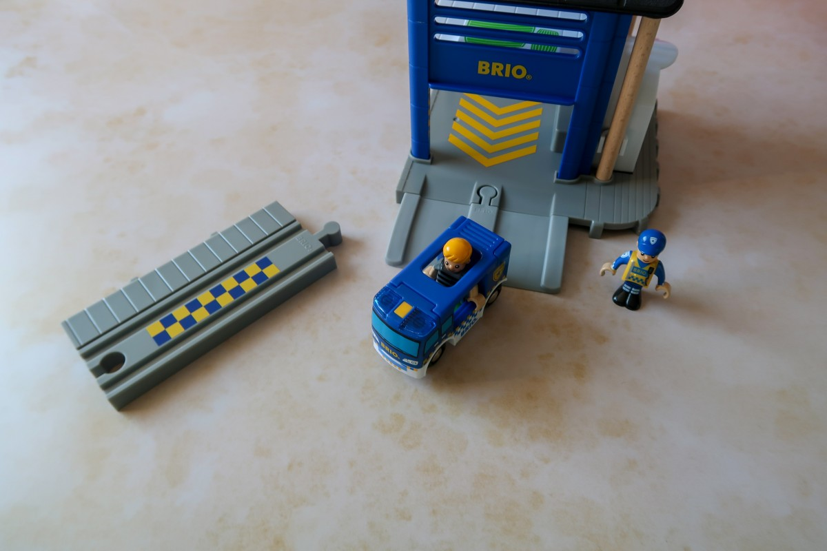 A look at the BRIO Police Station