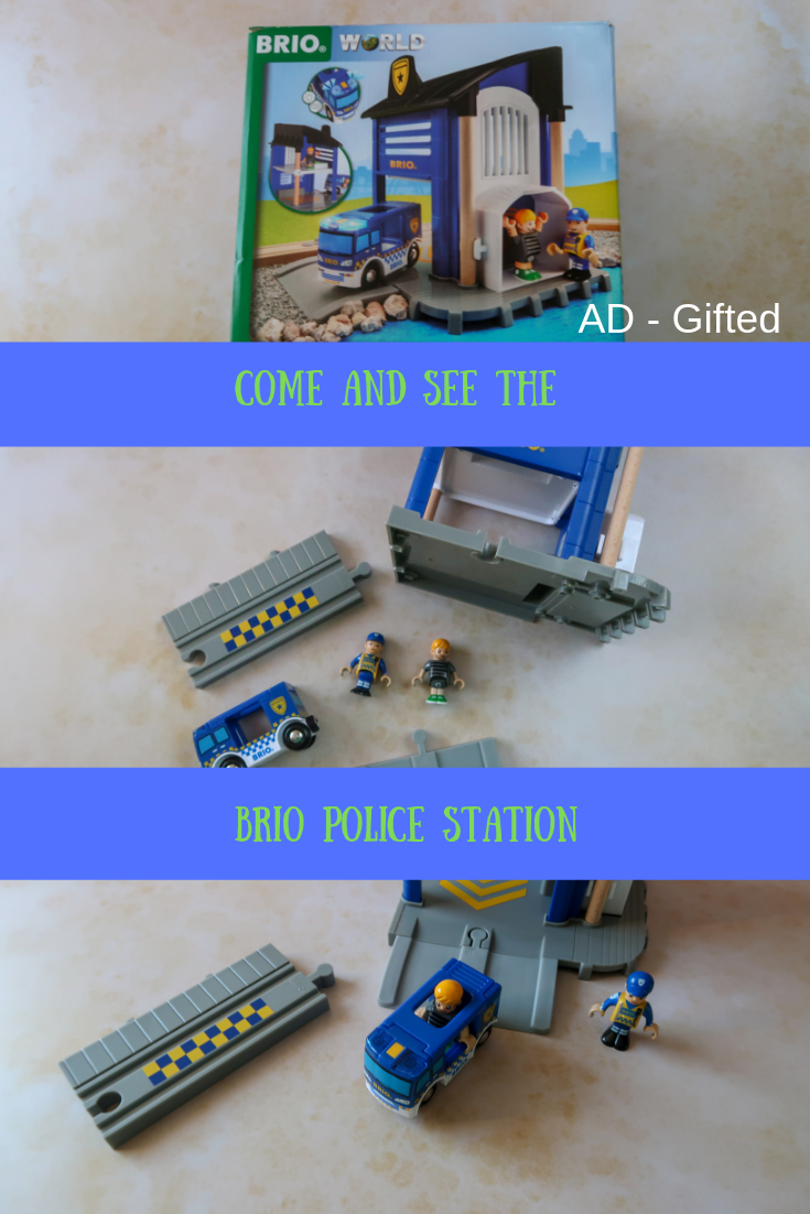 Take a look at the Brio Police Station 33813. #unboxing #childrenstoys #toys #playtime #brio