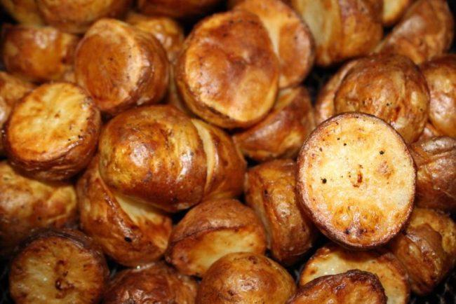 Easy roast dinner recipes - airfryer roast potatoes