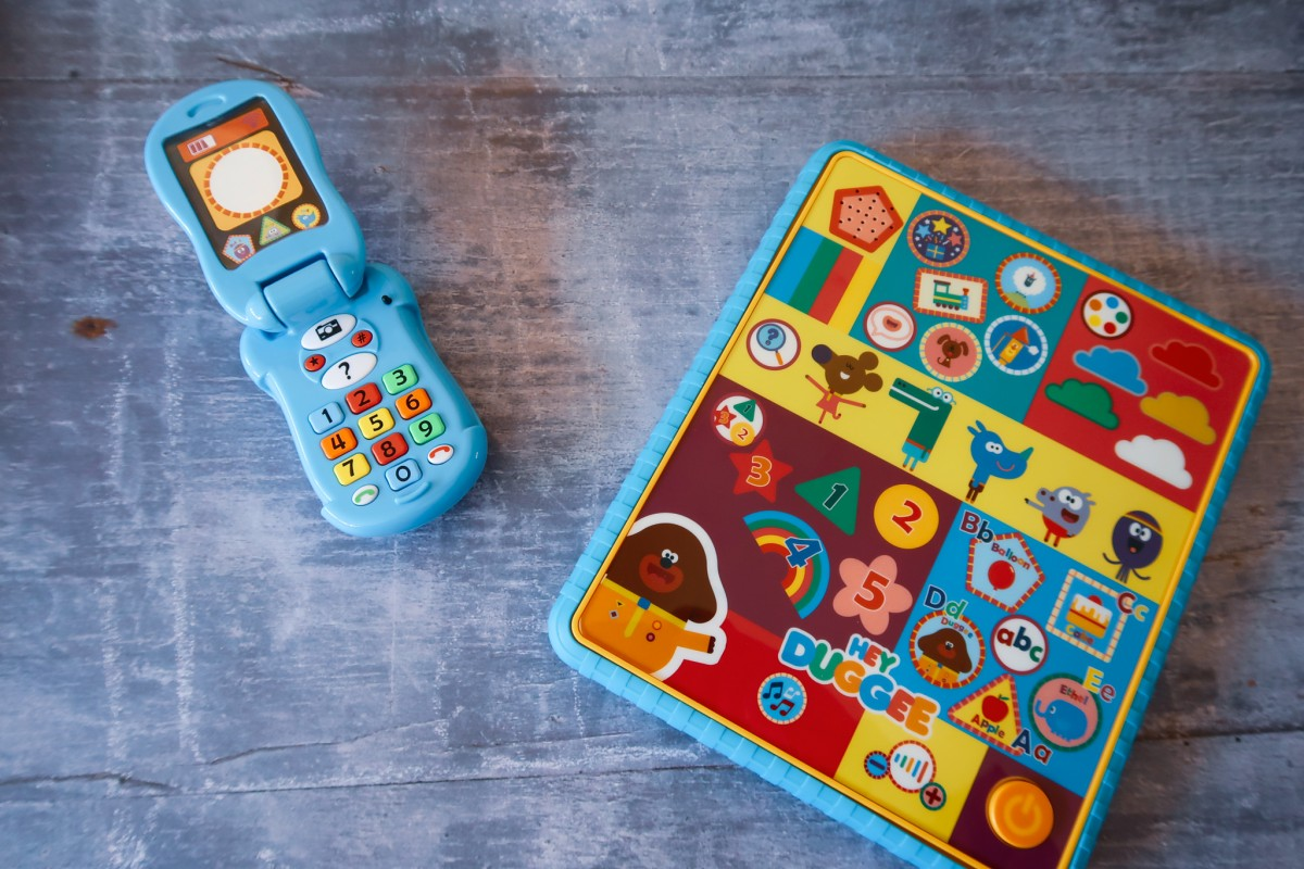 Hey Duggee Interactive smart learning toys - flip and learn smart phone and smart tablet