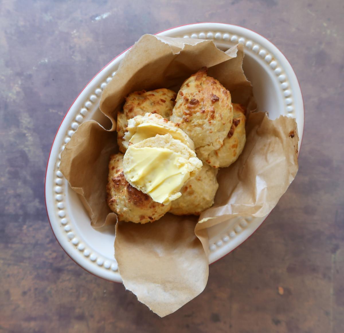 Air fryer cheese scones