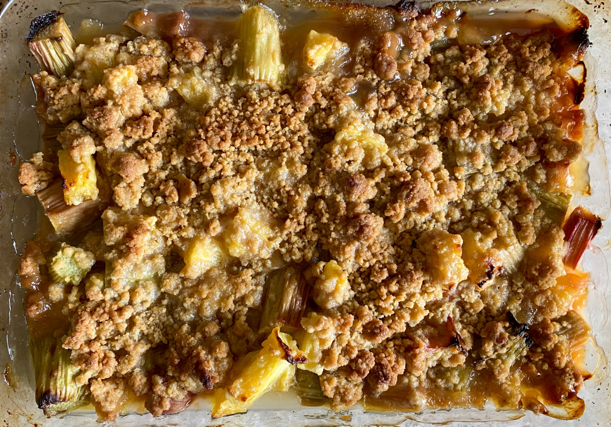 Cooked rhubarb and pineapple crumble