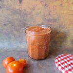 Roasted tomato pizza sauce in a glass jar